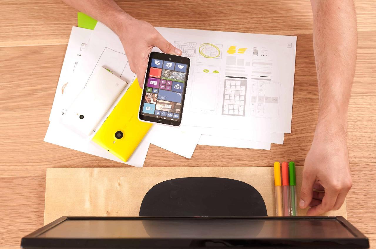 ¿Cuáles son las bases para crear una estrategia de marketing en redes sociales?
